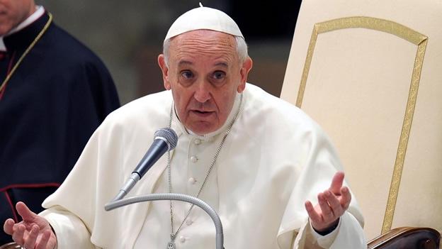 Papa Francisco pide respeto a gais pero rechaza legalizar su matrimonio