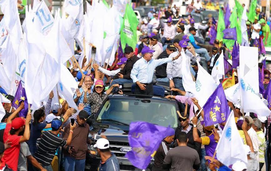 Presidente Medina recibe respaldo en Nordeste dominicano