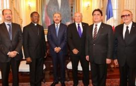 Cuerpo Diplomático felicita al presidente Danilo Medina por su triunfo en las elecciones del día 15