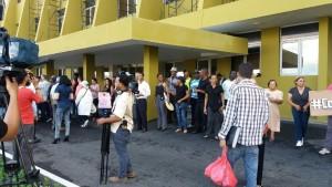 manifestantes-suspenden-protesta-frente-a-la-jce-no-hubo-incidentes