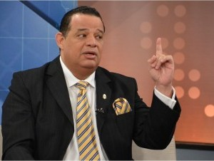 Luisín Jiménez dice tendrán que matarle para despojarle de curul