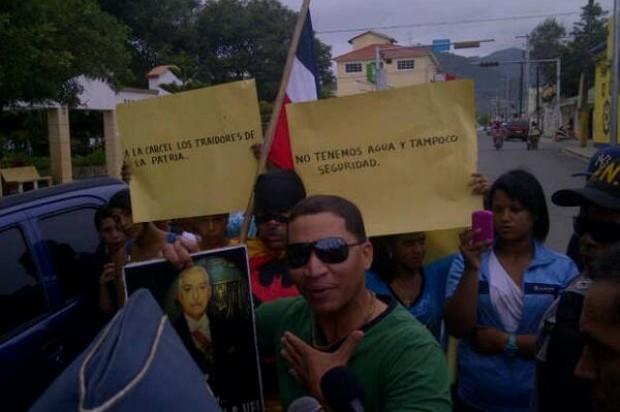 CONSTANZA: Condenan dos por alabar en público a Trujillo