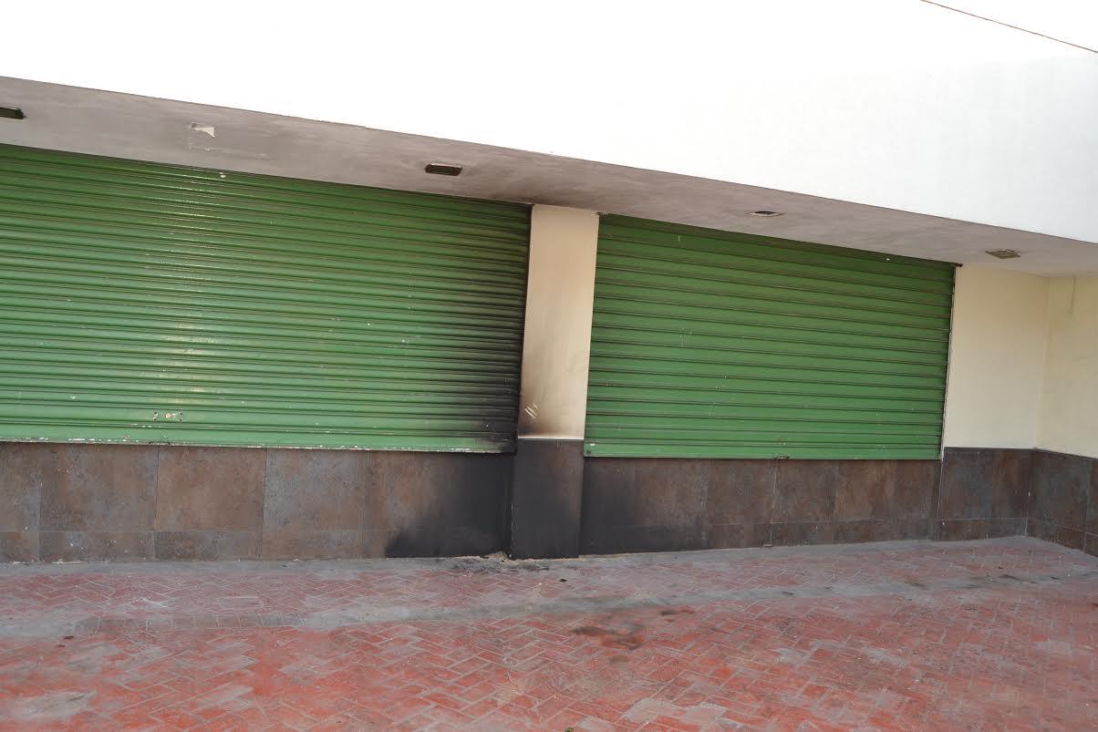 LOS ALCARRIZOS: Lanzan bomba molotov edificio ayuntamiento