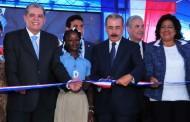 Presidente Medina inaugura dos escuelas jornada extendida SDN