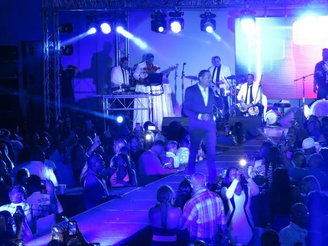 Frank Reyes ovacionado en Panamá; prepara gira a Europa en junio