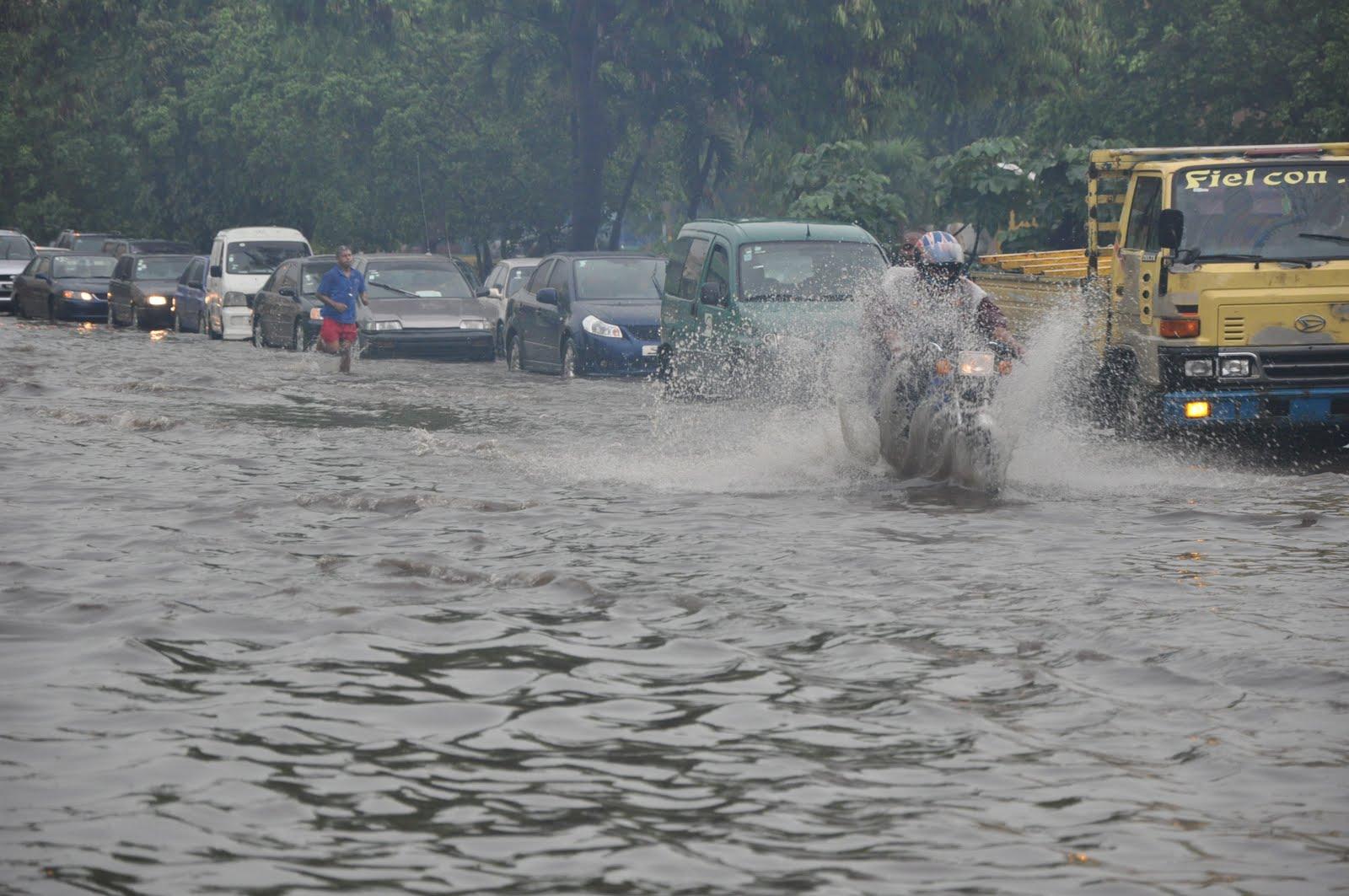 Las lluvias mantienen 24 provincias en alerta y desplazan a 1,470 personas