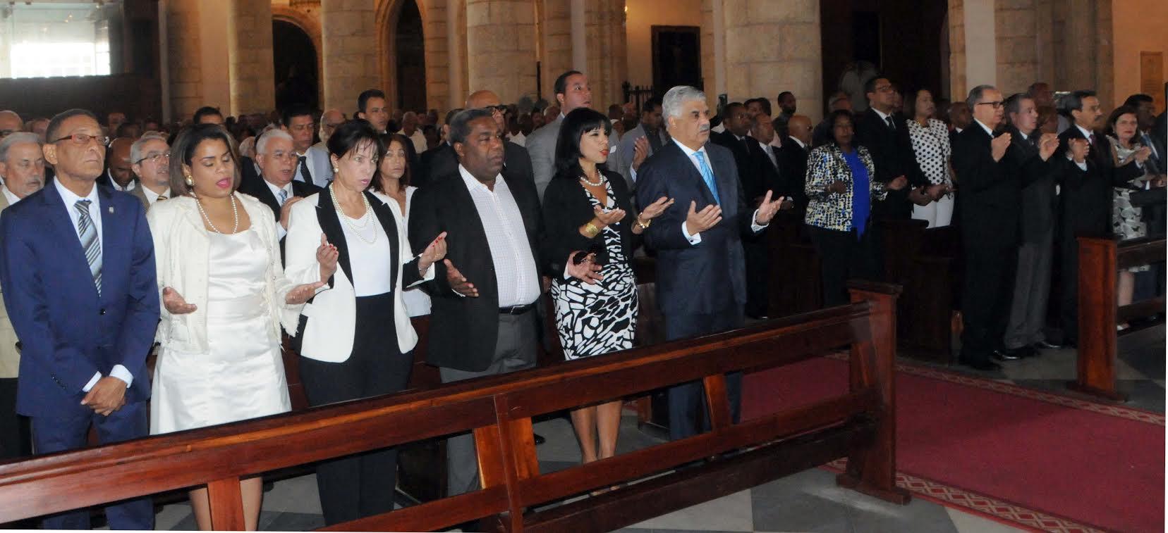 PRD recuerda a Peña Gómez con misa y ofrenda floral