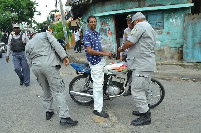 Autoridadesintervienen barrios en 5 ciudades del suroeste dominicano