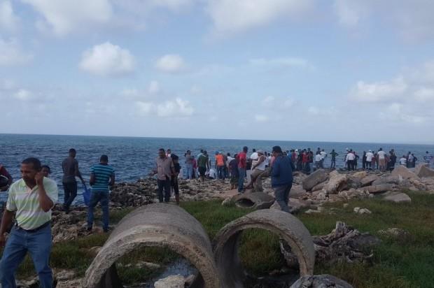 Muere ahogado un hombre que se lanzó al mar Caribe para salvar a su esposa