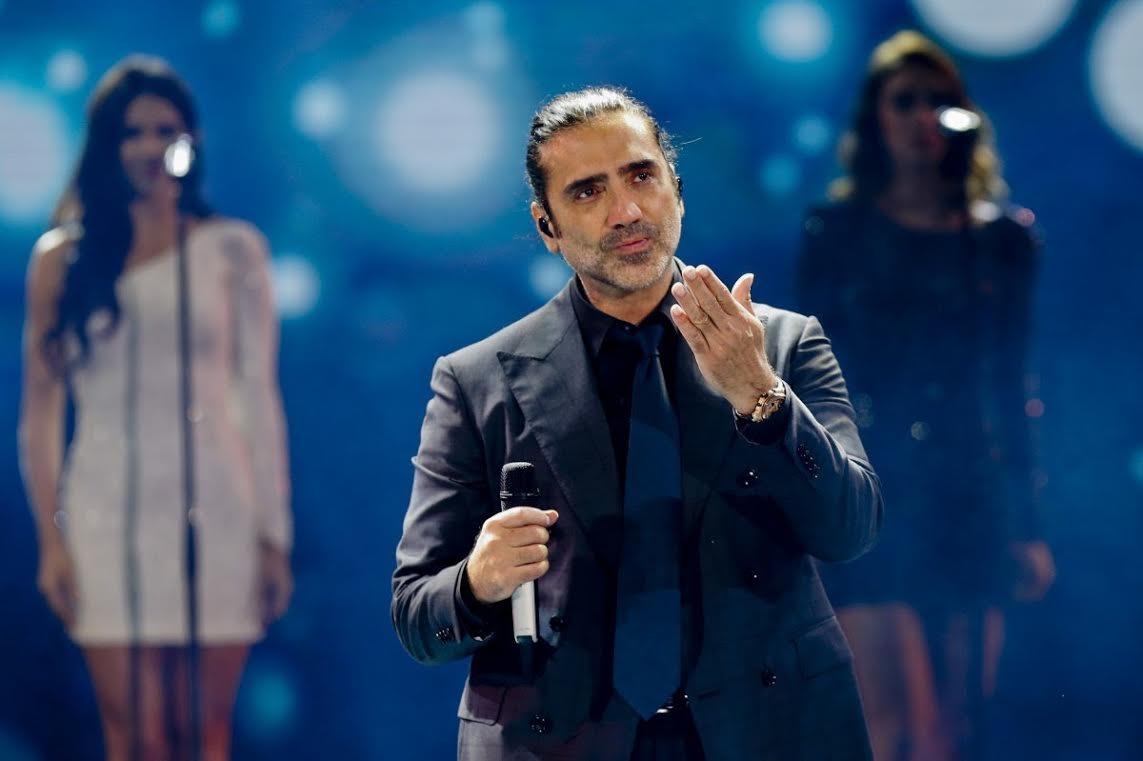 Alejandro Fernández demanda a Luis Miguel