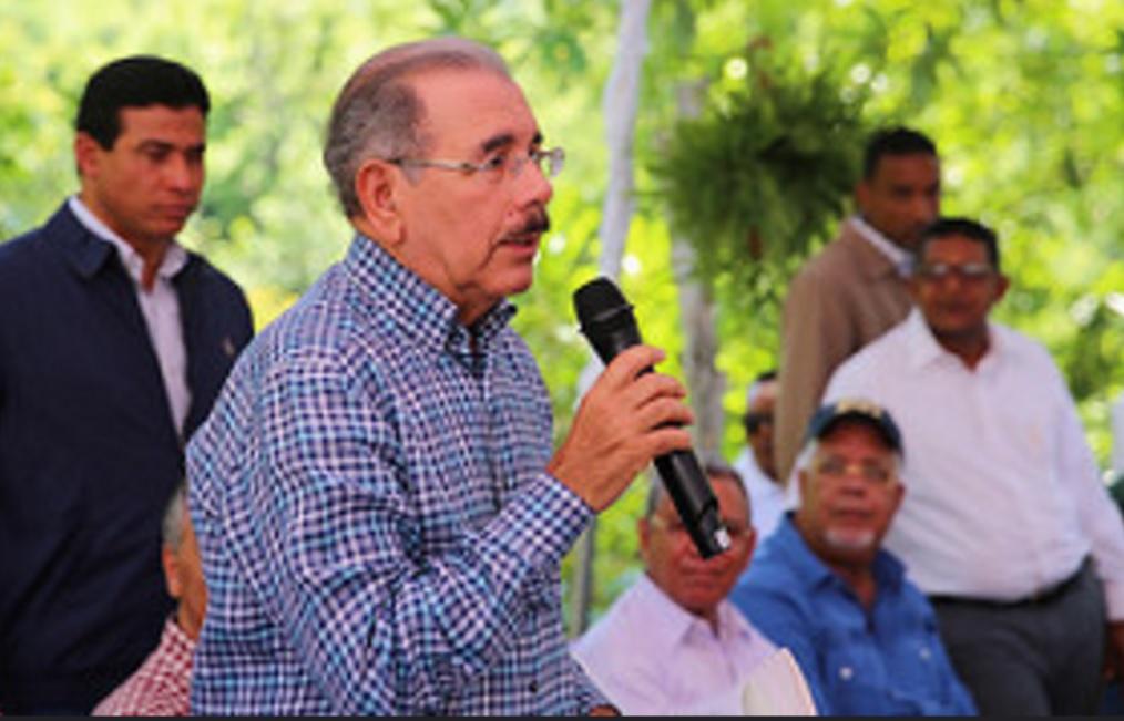 Danilo advierte pueblo está pendiente del uso que se da a dinero que paga en impuestos
