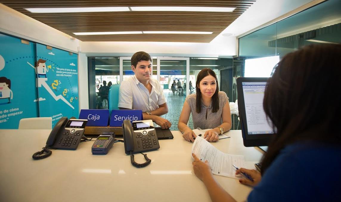 Banco Popular reduce a menos del 50% comisiones para jóvenes