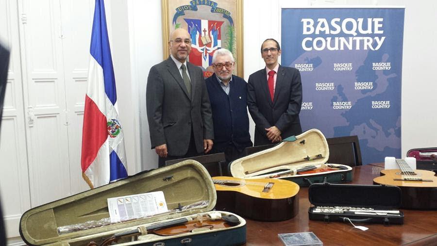 ESPAÑA: Usarán música para sacar jóvenes RD de las calles