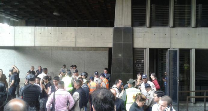 Situación de rehenes Banco Central Venezuela; un muerto y 2 heridos