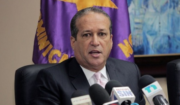 Reinaldo pide investigar senadores período se aprobó compra Tucanos