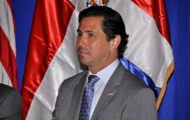 Esposo Embajador: ¿Por qué 80 mil dominicanos viajaron a EU en 2015?