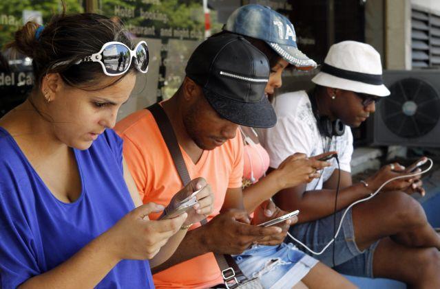 Instalarán 5 mil puntos Wi Fi gratis en parques, plazas, escuelas y hospitales