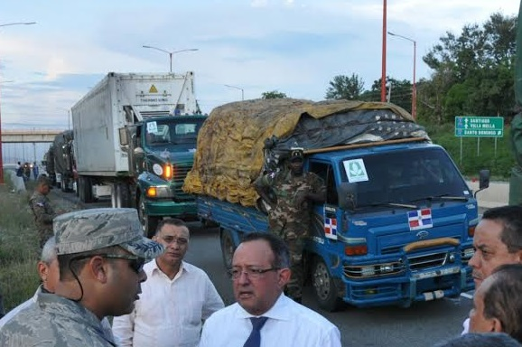 Convoy 500 vehículos dominicanos llegó Haití hoy con diversas ayudas