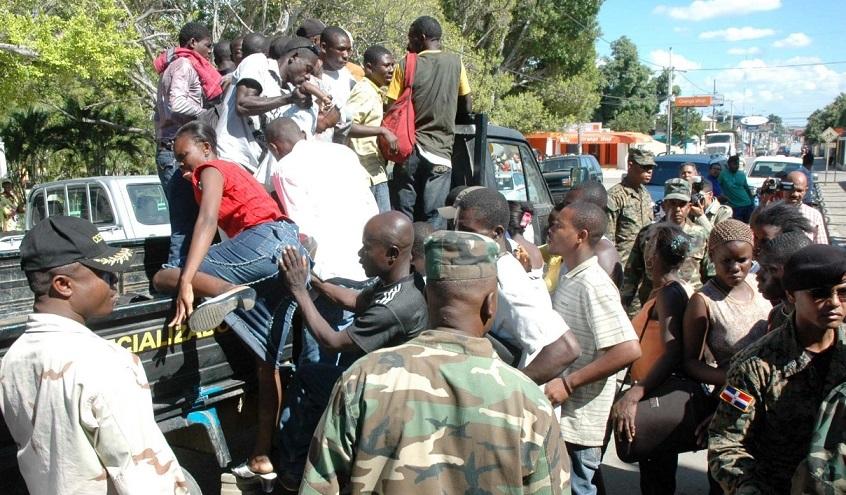 Devuelven numerosos haitianos que cruzaron de manera ilegal a la RD