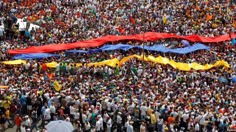 VENEZUELA: Oposición llama a una huelga general de doce horas