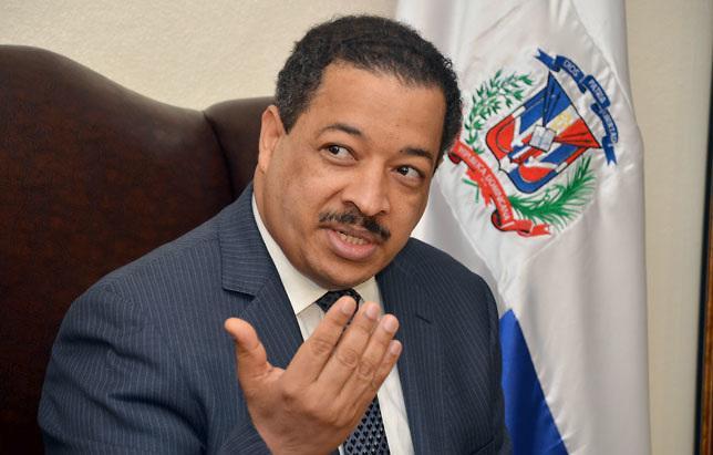 Roberto Rosario defiende su derecho a seguir en la Junta Central Electoral