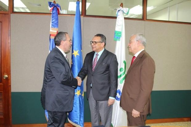 UE dona 15,2 millones dólares mejorar servicios públicos en R.Dominicana