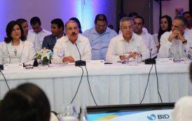 Medina defiende políticas sociales y asegura que dinamizan la economía
