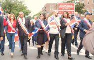 Oficiales electos participan en Desfile Dominicano de Queens