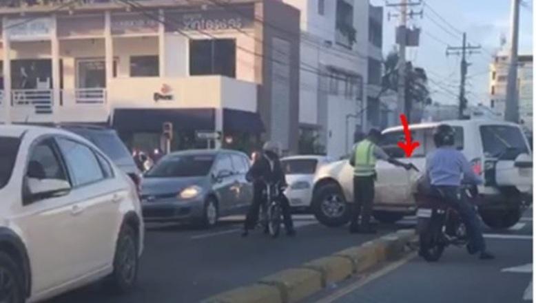 AMET sancionará agente disparó a jeepeta cuyo conductor infringió ley