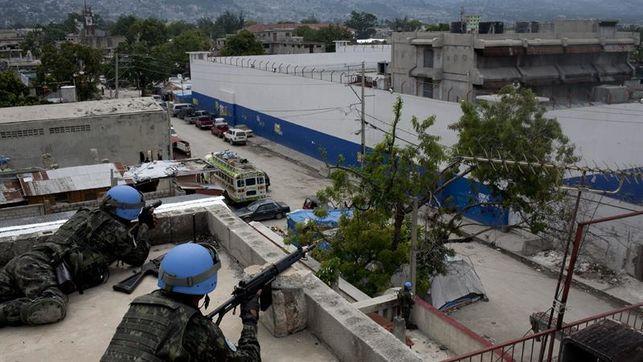 Más 100 reclusos se fugan cárcel Haití Arcahaie, dejando muertos y heridos