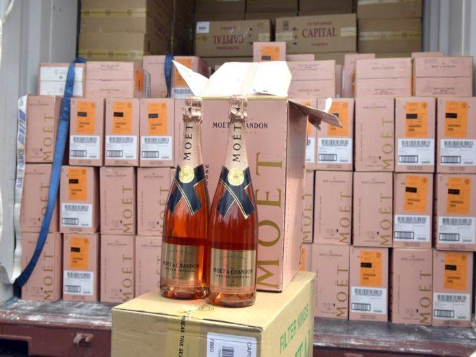 Detectan contrabando whisky y cigarrillos valorados RD$262 MM