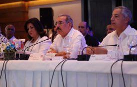 Presidente BID destaca logros de Medina y estabilidad económica RD