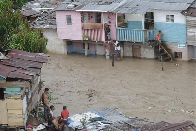 Desplazados por inundaciones en R. Dominicana disminuyeron a 10,605