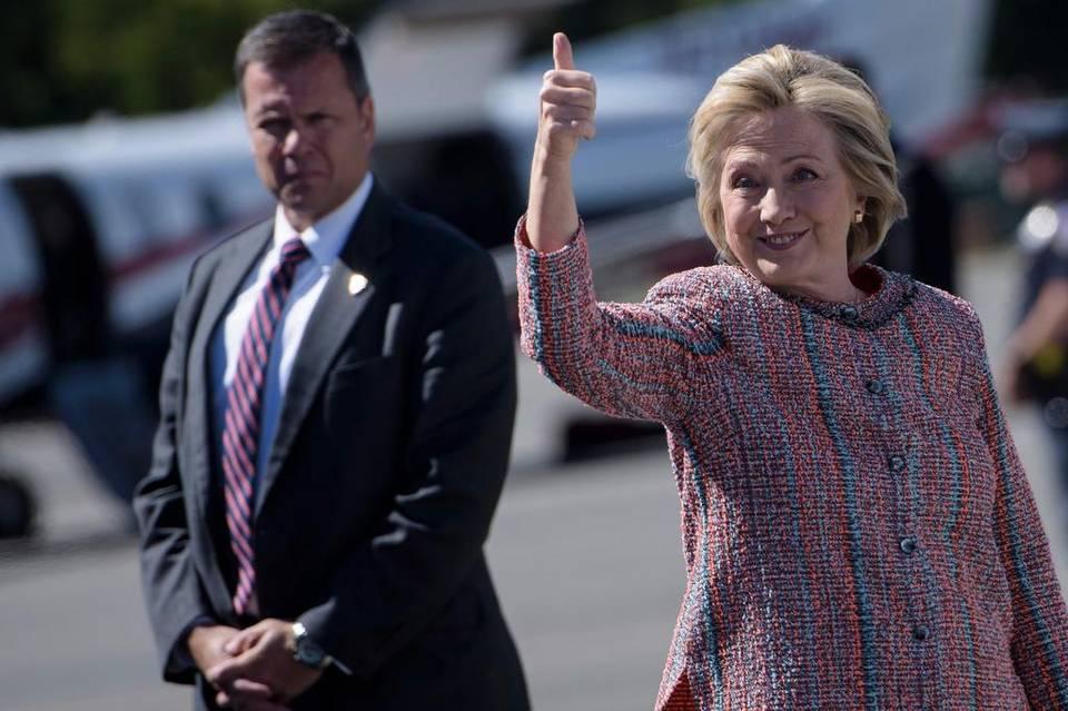 Estimaciones antes del cierre de las urnas dan a Clinton como ganadora