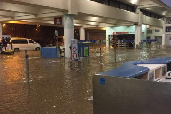 Lluvias vuelven a Puerto Plata; el aeropuerto y sectores se inundan