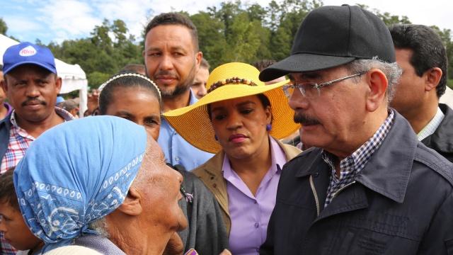 Presidente inicia desarrollo de cuenca presa de Sabana Yegua