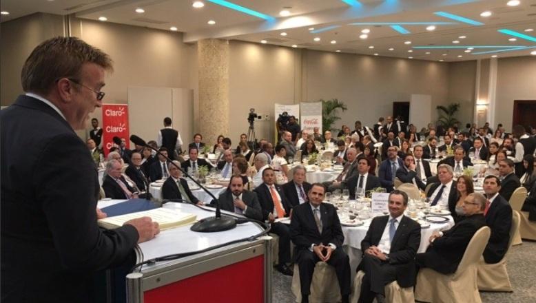 "Embajador EU: 10% dominicanos pertenece a ""comunidad LGBT"""