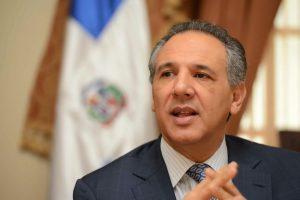 Peralta afirma economía de la RD exhibe solidez