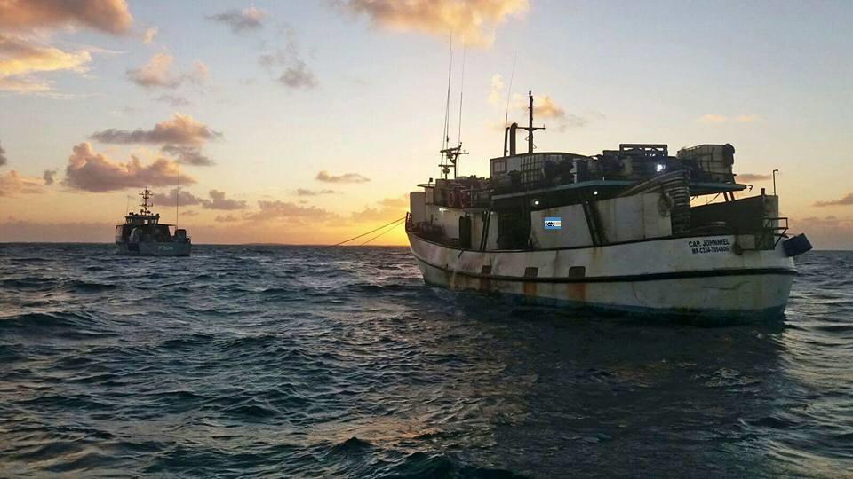 BAHAMAS: Guardacosta apresa 2 barcos con 50 pescadores de RD