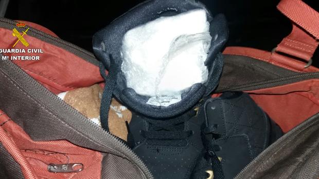 ESPAÑA: Atrapan dominicano con un cuarto de kilo de cocaína