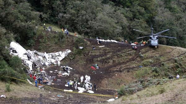 Uno de los tripulantes del avión de la tragedia del Chapecoense contó cómo hizo para sobrevivir
