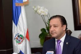 SANTIAGO: Tribunal cita a Abel Martínez por presunta vioación Ley Información