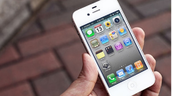 Un iPhone 4 permaneció un año sumergido y aun funciona