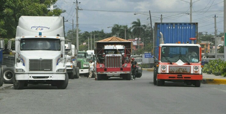 Prohíben circulación de vehículos pesados en Navidad y Año Nuevo