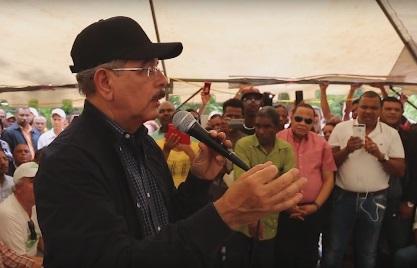 Medina presenta proyecto de desarrollo sostenible para Neyba e Independencia