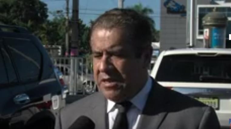 Percival Peña dice a su hijo lo mataron en habitación, no dentro del vehículo