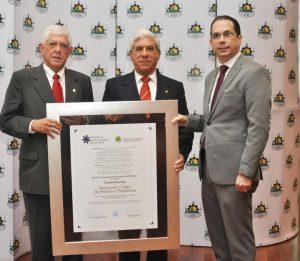 Asociación Cibao recibe Premio a la Excelencia Empresarial