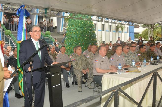 Ministro Interior advierte disparos al aire y fuegos artificiales están prohibidos