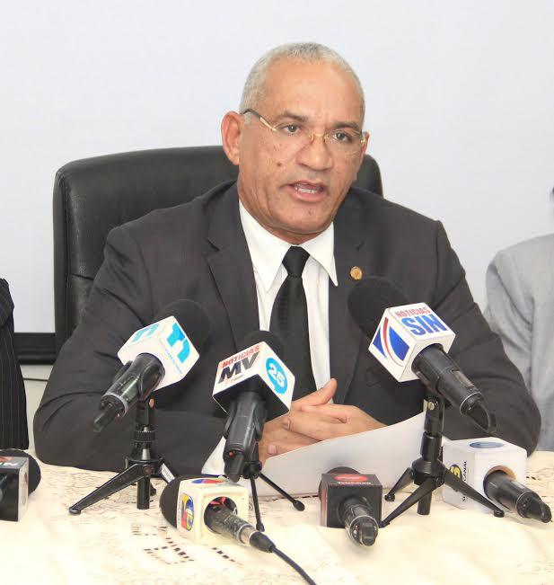 Notarios ven abusiva subida de tarifas de Procuraduría General en servicios