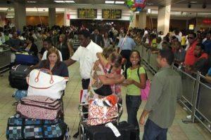 Dominicanos visitan RD gastan 6 veces más que turistas otras nacionalidades